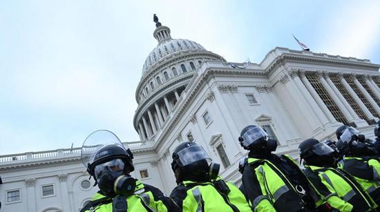 美国国会6日发生骚乱(图:Getty)