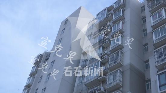 7旬老人长时间用电吹风引火灾 吸入浓烟不幸丧生(图)