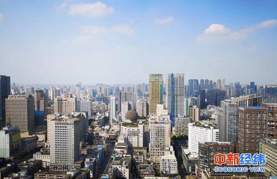 资料图:城市楼群 中新经纬 董湘依摄