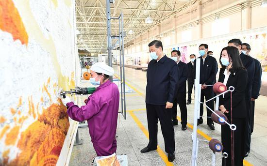 2021年6月7日,习近平总书记赴青海考察调研。新华社记者 谢环驰 摄