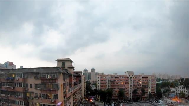 延时记录暴雨来临前的北京:风起云涌,乌云翻滚