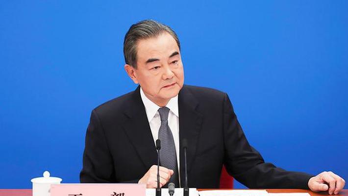 王毅回答中外记者提问