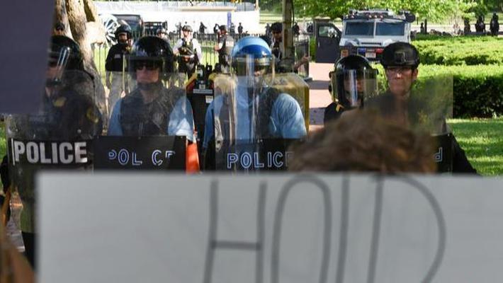 美国首都连续三天暴发示威