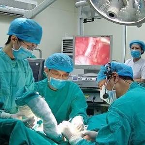 男子吃杨梅得恶性肿瘤 医生:因这个错误习惯