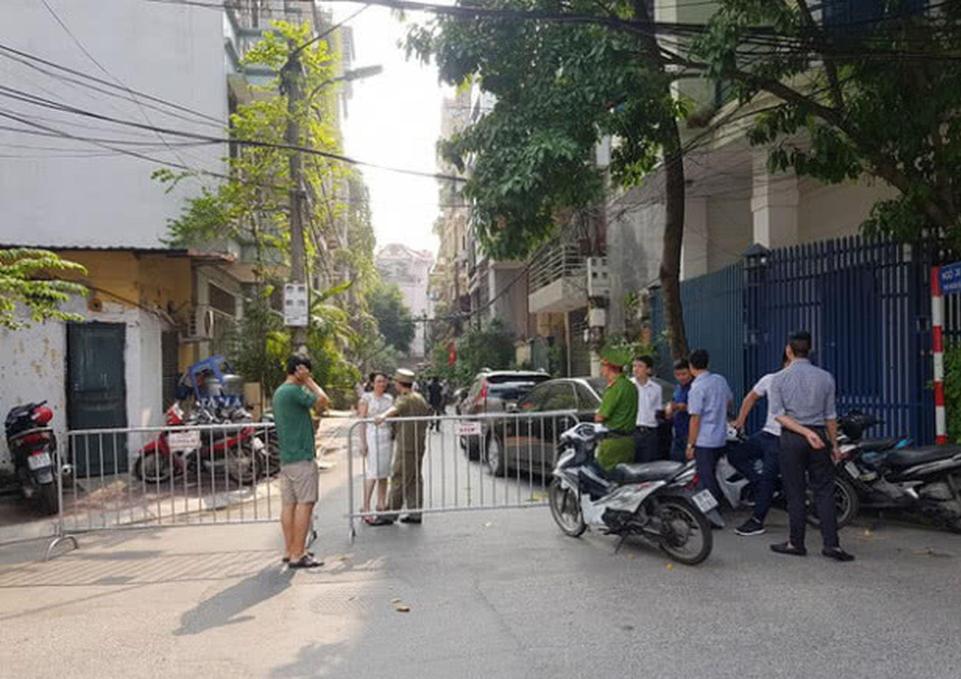 男子宾馆跳楼身亡 房间内2具女大学生尸体