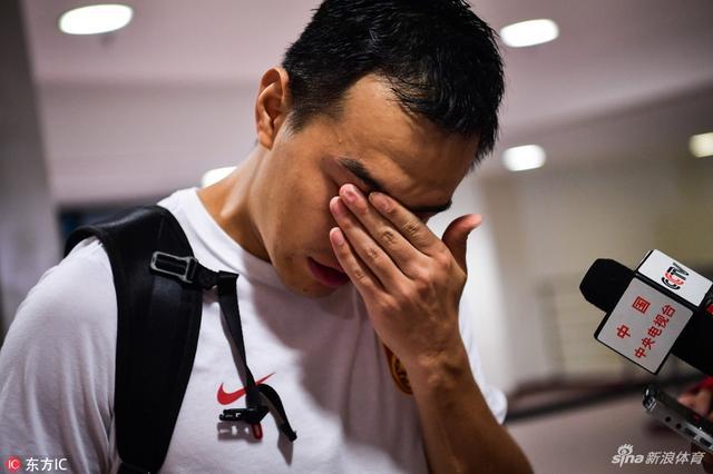 馮瀟霆王大雷電梯內痛哭