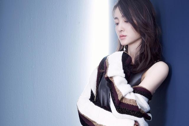 王麗坤最新時尚大片曝光 氣質高貴表現力十足