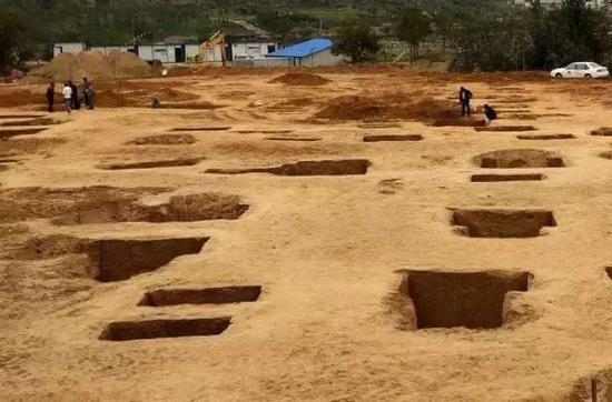 廣州中山大學學生食堂工地發現漢朝古墓,哪些大學也發現過古墓?