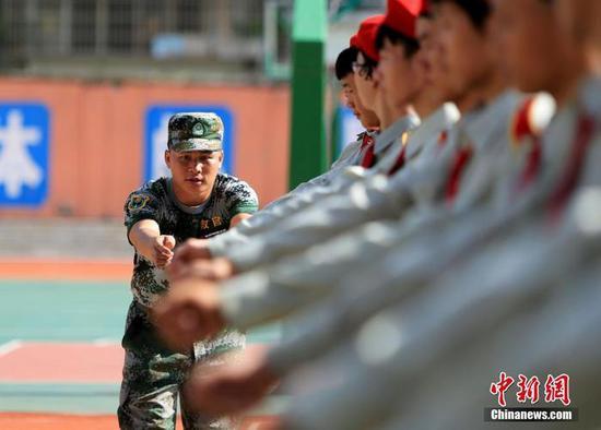 高中阶段学校学生军训教学大纲发布:不得少于7天