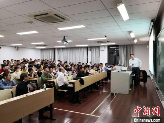 """""""科学之光""""项目是南京大学""""三元四维""""人才培养新体系的重要育人项目。南京大学供图"""