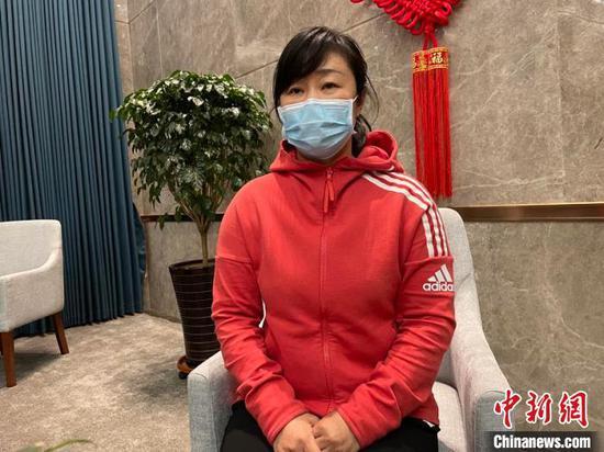 裴艳玲接受中新网记者采访。 苍雁 摄