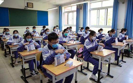 中高考考场装空调不妨纳入国家标准化考场建设