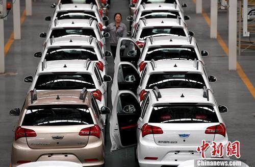 特斯拉又大降价 造车新势力跟不跟?
