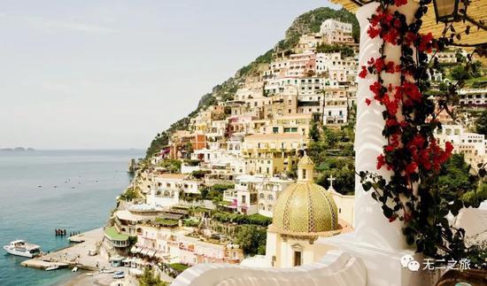 意大利八家景�^酒店 大海和雪山�L光看到��