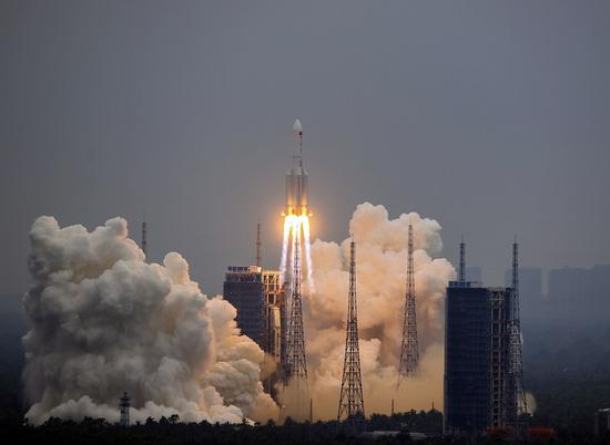 The Long March-5B Y2 rocket, carrying the Tianhe module, blasts off from the Wenchang Spacecraft Launch Site in south China's Hainan Province, April 29, 2021. China on Thursday sent into space the core module of its space station, kicking off a series of key launch missions that aim to complete the construction of the station by the end of next year. (Xinhua/Zhou Jiayi)