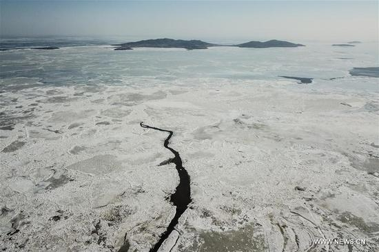 Sea ice seen in NE China due to continuous low temperature ...