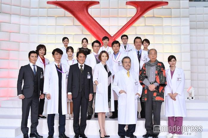 《Doctor-X》舉辦制作發布會 米倉涼子攜眾演員出席