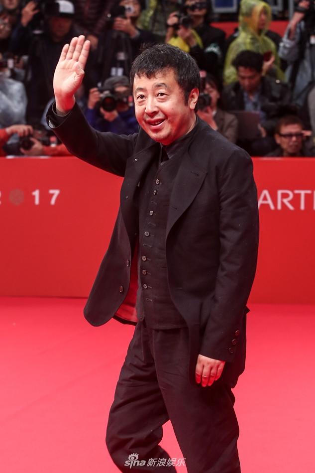 釜山电影节开幕 贾樟柯罗晋等亮相红毯