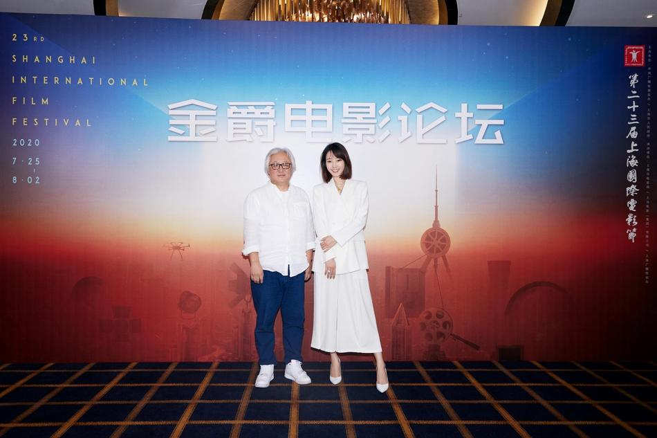 组图:上海电影节河濑直美导演大师班 白百何合影甜笑气质优雅