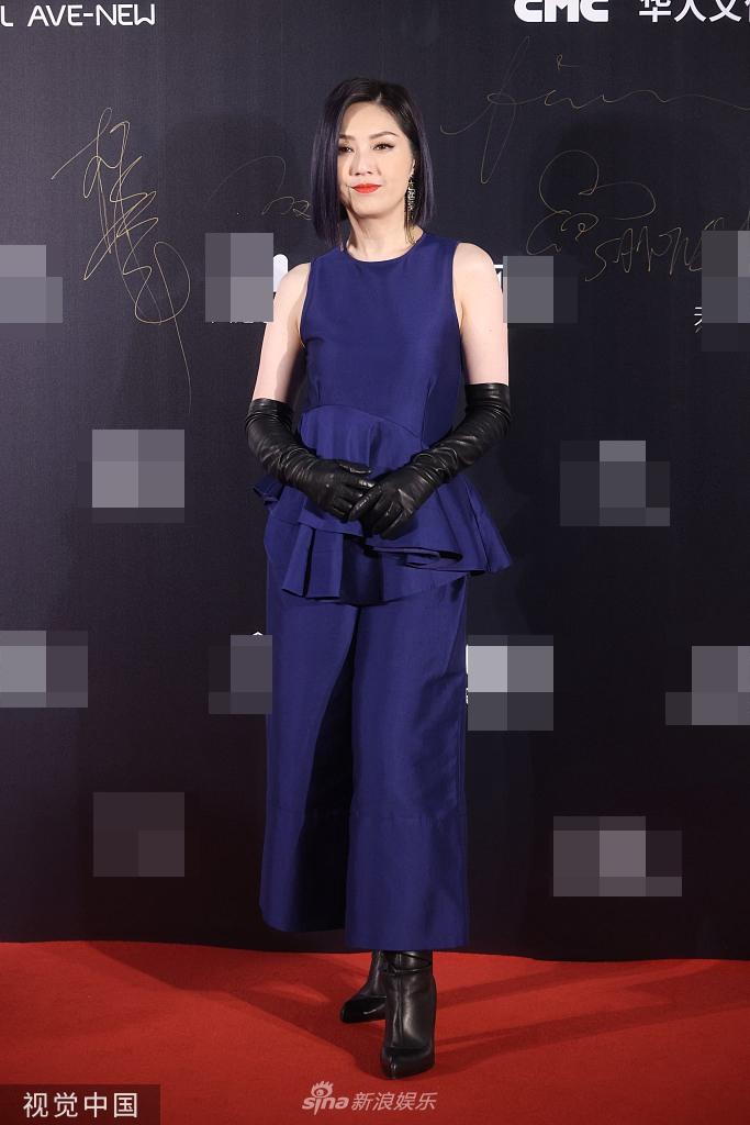 杨千嬅即将为新电影忙路演 郭采洁秀精致天鹅颈
