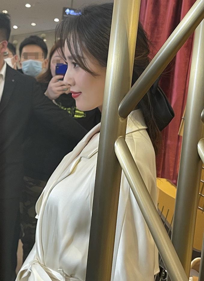 组图:刘诗诗生图美貌引热议 无滤镜无修图更添韵味