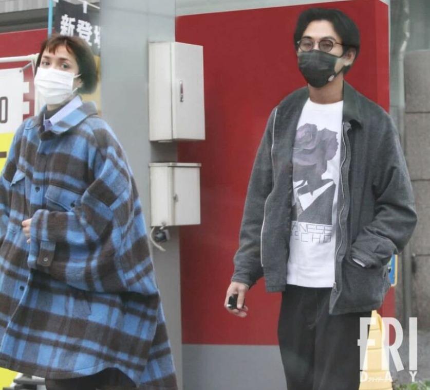 松田龙平与模特摩根约会被拍 两人恋情稳步前进