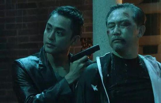 明道(左一)在《演员请就位》中出演《破冰行动》片段 视频截图