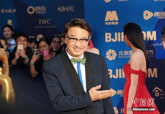 吴孟达在红毯现场中新网记者 李卿 摄