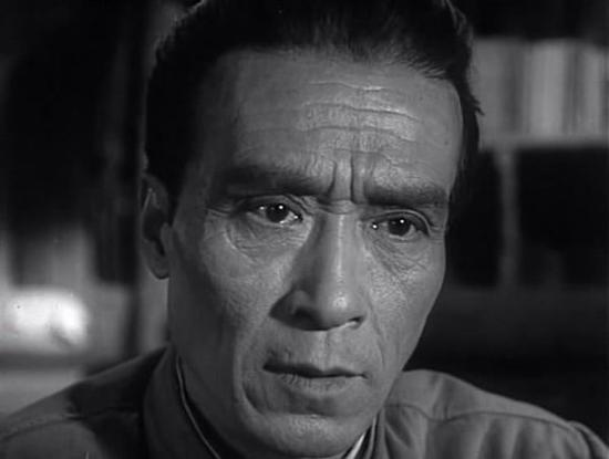 田方在影片《铁汉子女》中饰演王政委。