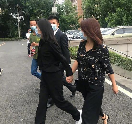 谭松韵向肇事者索赔501万 庭审时表示未收到道歉