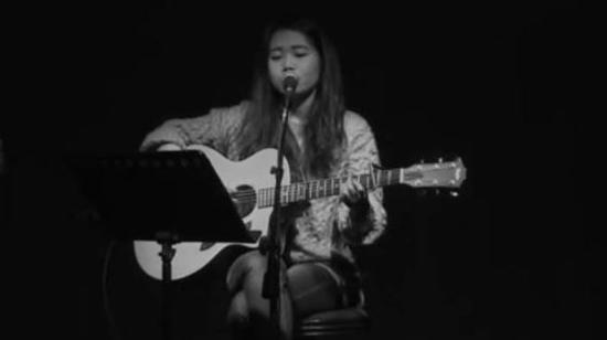 花粥,图源其歌曲《二十岁的某一天》MV