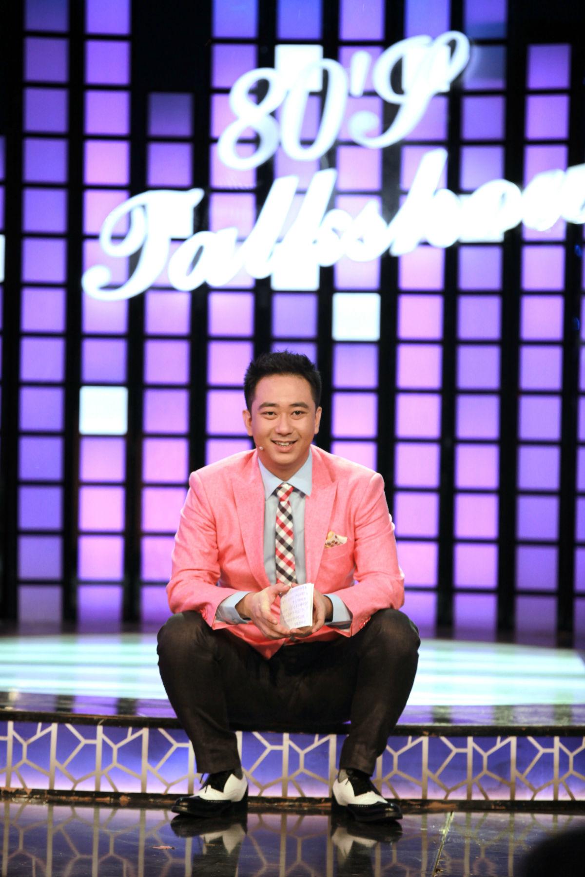 王自健在《今晚80后脱口秀》现场。