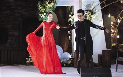 《妻子的浪漫旅行2》中,章子怡和汪峰让观众见识到了生活中的另一面