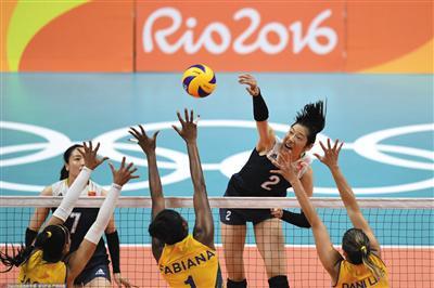 2016年里约奥运会,中国女排对阵巴西队的场景 图是实在照片