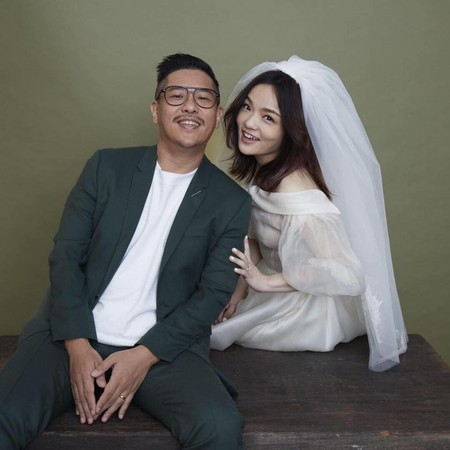 徐佳莹与丈夫合影