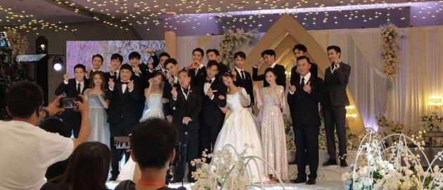 杨紫李现客串《亲爱的挚爱的》 穿婚纱西服引期待