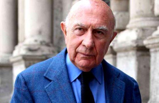 意大利米兰时装周创始人摩德尼斯辞世