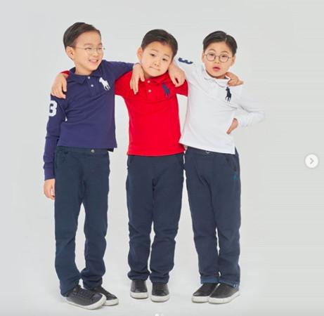 8岁三胞胎现在就读幼学二年级,身高142公分,比同龄人高很多