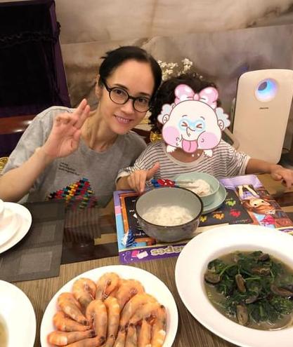 港星郑艳丽再次转入ICU 系减肥绝食引发的厌食症