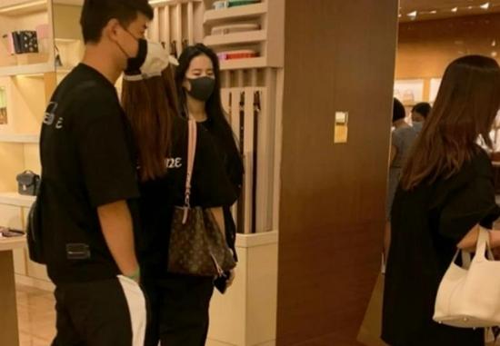刘亦菲素颜气质佳