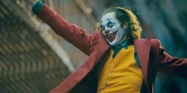 《小丑》11项提名领跑