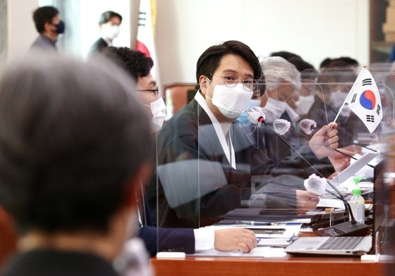 韩国兵役法新规定更改 允许杰出偶像艺人延迟入伍