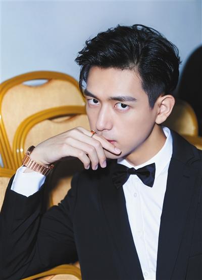 """李现愿为选片宣传做直播卖票 称""""流量不是原罪"""""""