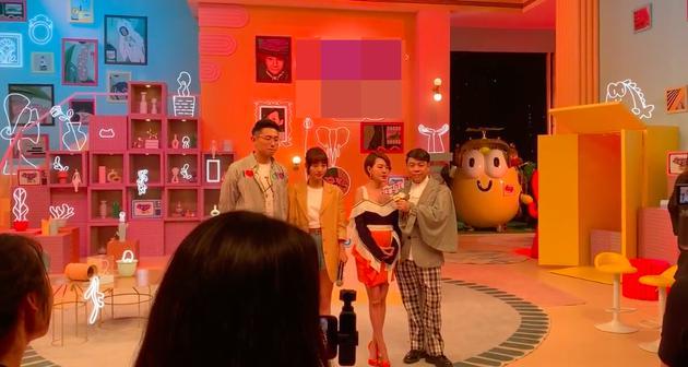 小S赞郑爽是一个很直爽的女艺人 称其直言拍戏是为了赚钱