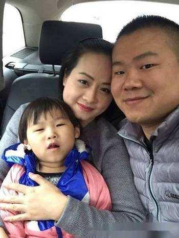 岳云鹏发文为女儿庆生 网友调侃:今年雷佳音送啥