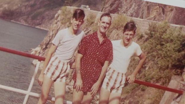约翰、费德烈与大卫(由左至右)