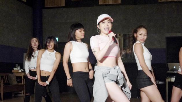 徐怀钰称为准备演唱会白头发都变多 减肥减到哭
