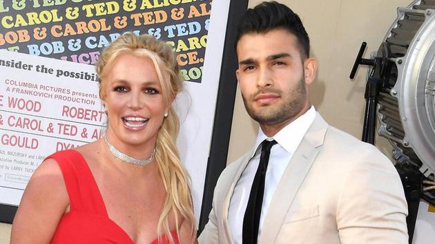 布兰妮斯皮尔斯(Britney Spears)与男友Sam Asghari