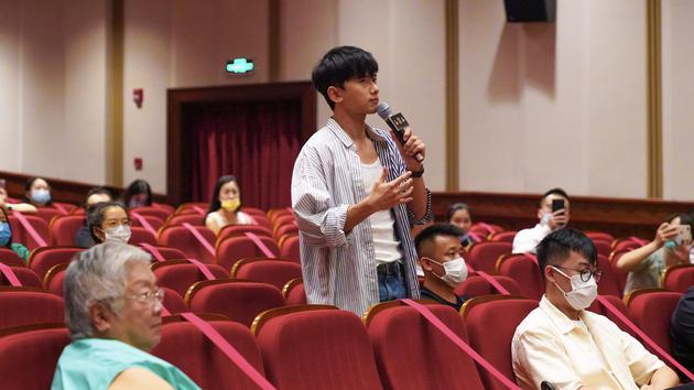 《活着唱着》上海特映 张国立邓婕张杰出席助阵
