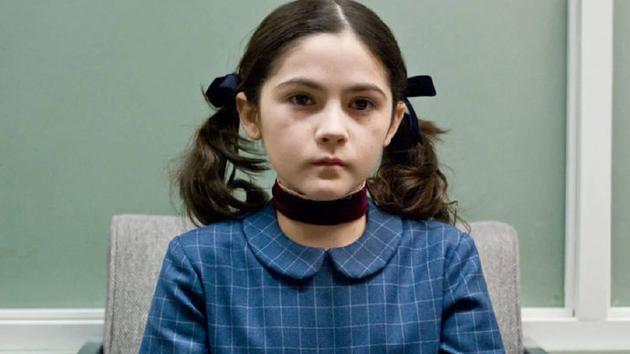 《孤儿怨》里的小女孩伊斯特,由伊莎贝拉·弗尔曼扮演